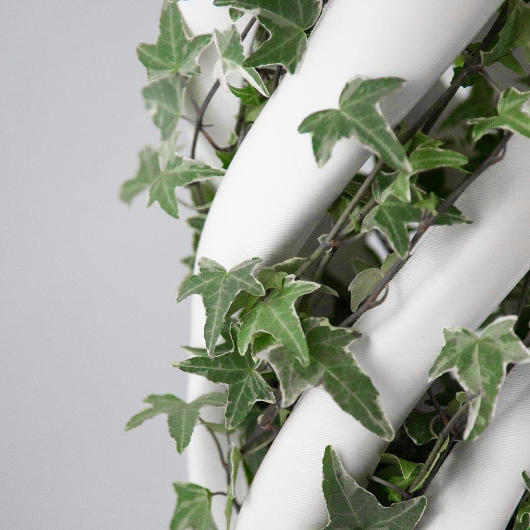 Abbracciame, 3D printed vase, by Adriano Alfaro and David Bitton, central detail