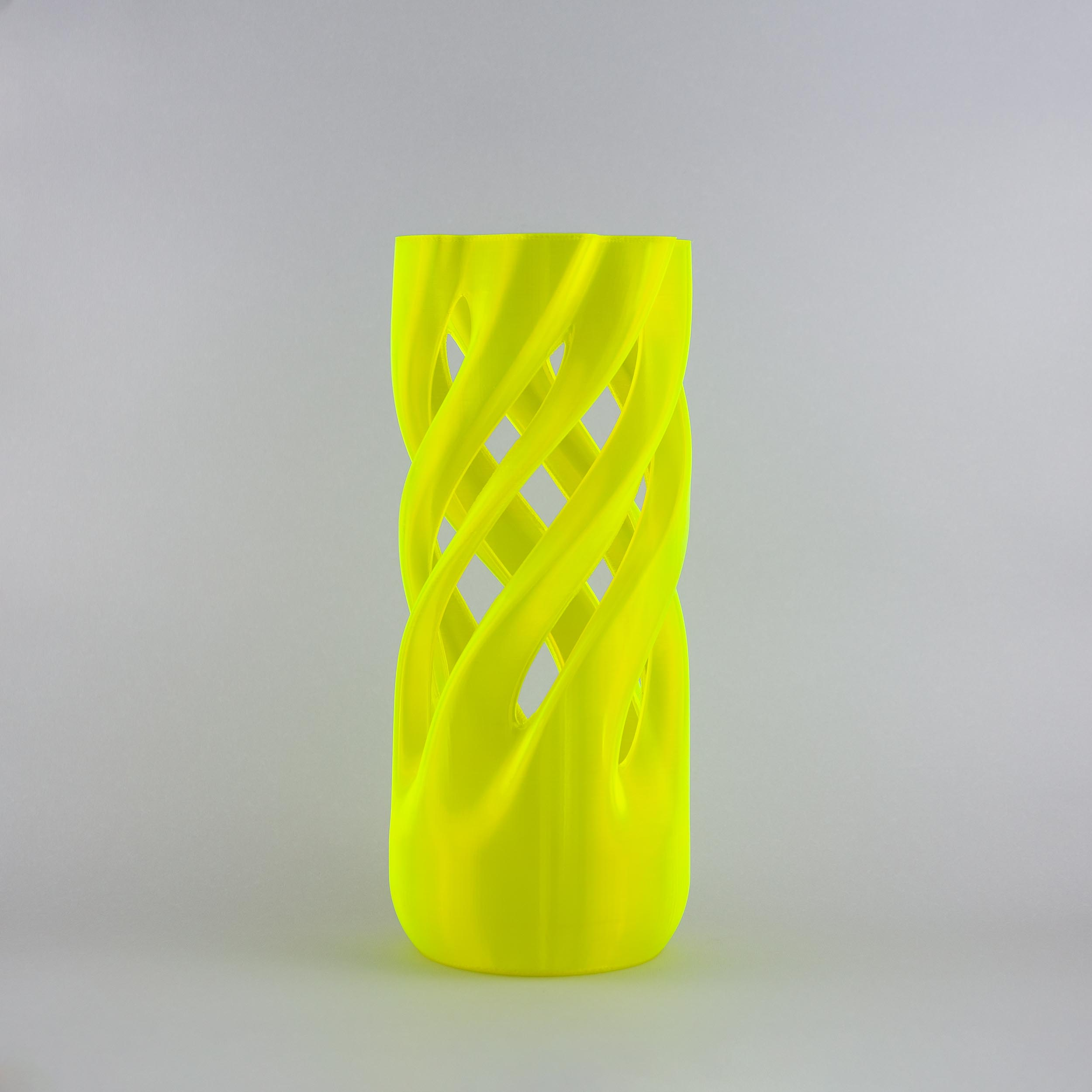 Abbracciame 3D printed vase in yello fluo limited edition