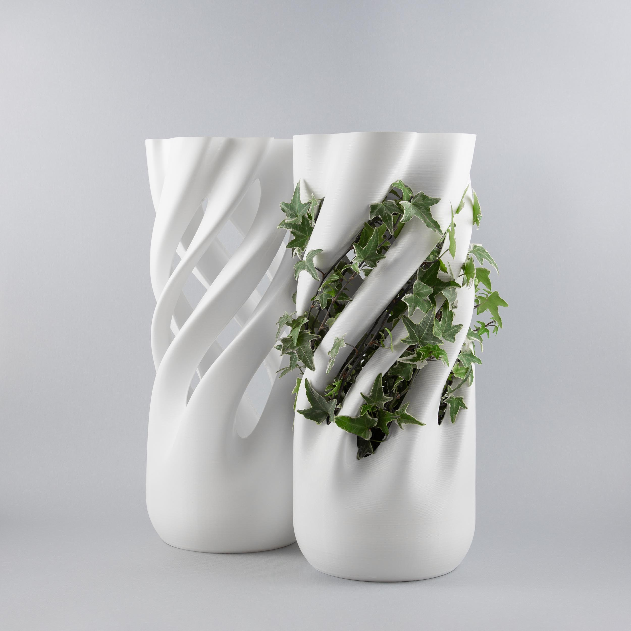 Abbracciame 3D printed vases